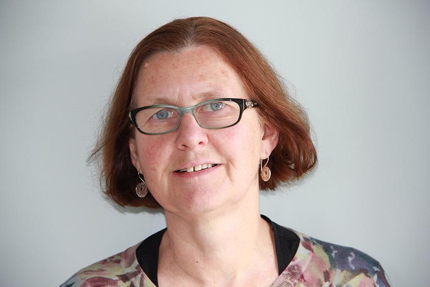 Yr Athro Nancy Edwards